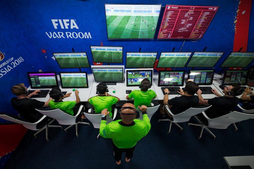 «30 άτομα από την UEFA για το VAR»